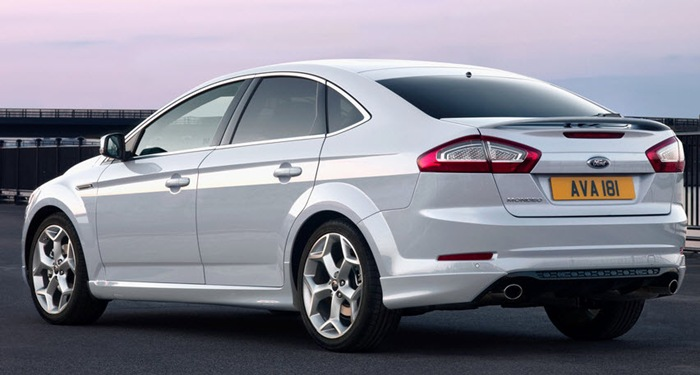 Ford Mondeo Sport сзади